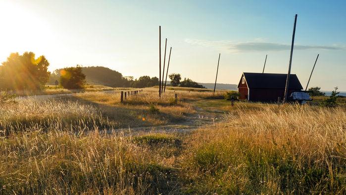 Under fyra härliga dagar skall vi se hur hösten smyger sig på och målar landskapet i sköna färger.
