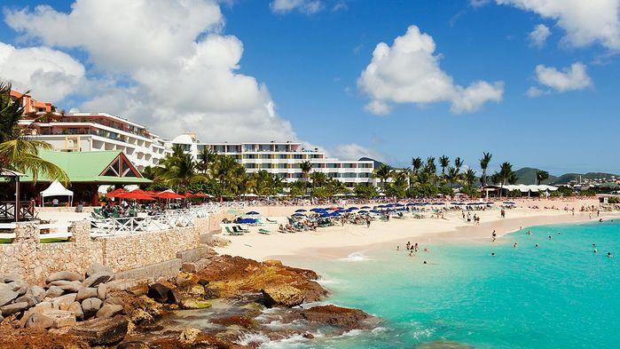 Vi övernattar på Sonesta Maho Beach Resort & Casino, före och efter kryssningen.