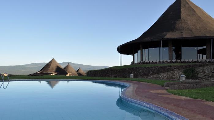 Poolen på Ngorongoro Sopa Lodge