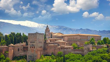 Alhambra-palatset i Granada står upptaget på Unescos lista över världsarv.