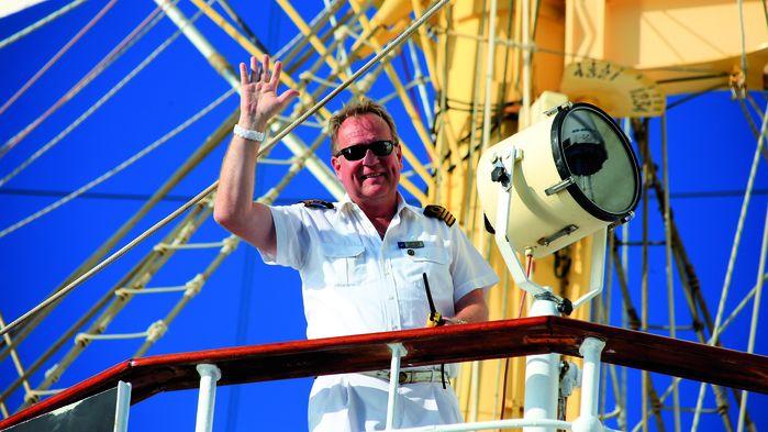 Kaptenen hälsar välkommen ombord!