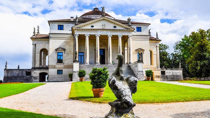 """Vicenza kallas för Palladios stad. Arkitekten Andrea Palladio skapade på 1500-talet vackra """"villor"""" åt förmögna venetianare, som är upptagna på listan över världsarv."""